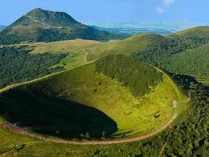Week-end en van au coeur des volcans d'Auvergne...